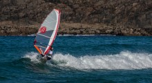 DEBBIE KENNEDY LEADS AS TIREE WAVE CLASSIC GETS UNDERWAY